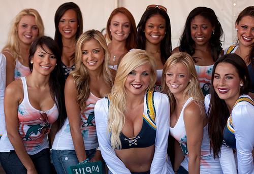 Group of Cheerleaderes